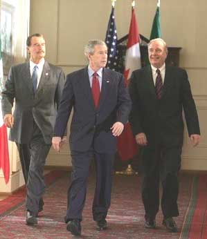 Mexican President Vicente Fox, USA President George W Bush, Canadian Prime Minister Paul Martin